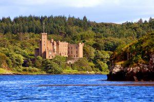 Dunvegan Castle Library Pics  (8)
