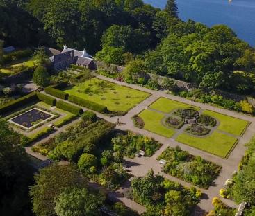Dunvegan Castle Library Pics (1)