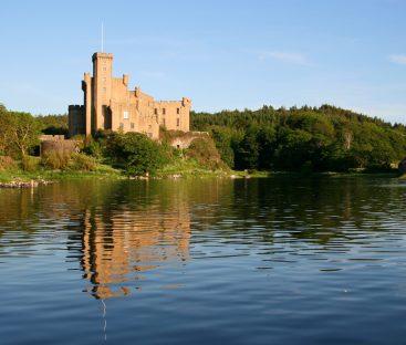 Dunvegan Castle Library Pics (27)
