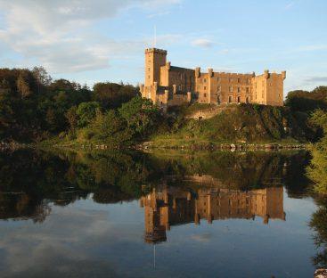 Dunvegan Castle Library Pics (36)