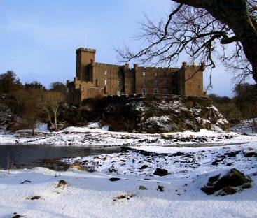 Dunvegan Castle Library Pics (52)