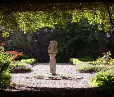 Dunvegan Castle Library Pics (55)
