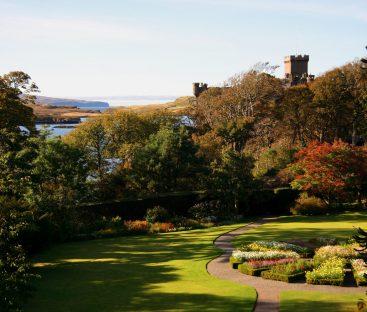 Dunvegan Castle Library Pics (59)